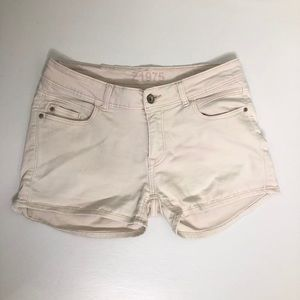 Zara off white low rise denim jean shorts